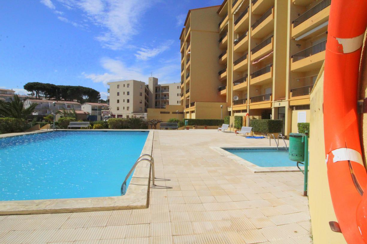 Apartamento -                                       Mar Blau -                                       2 dormitorios -                                       6 ocupantes
